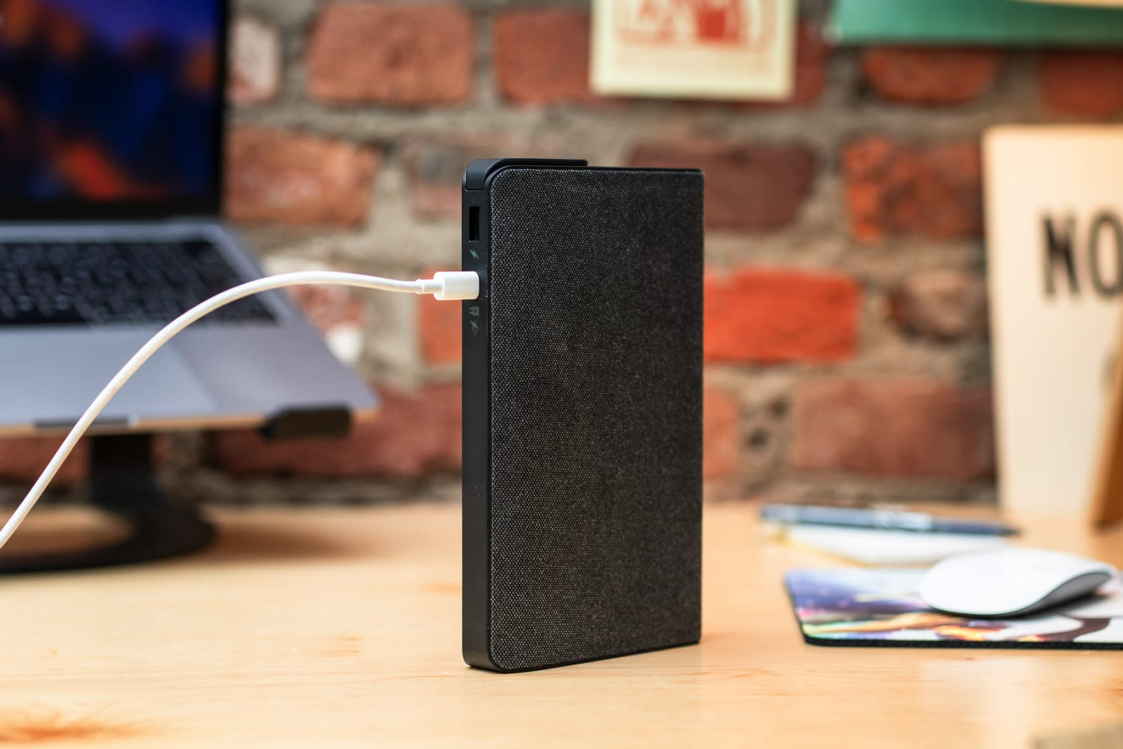 Portable laptop charger