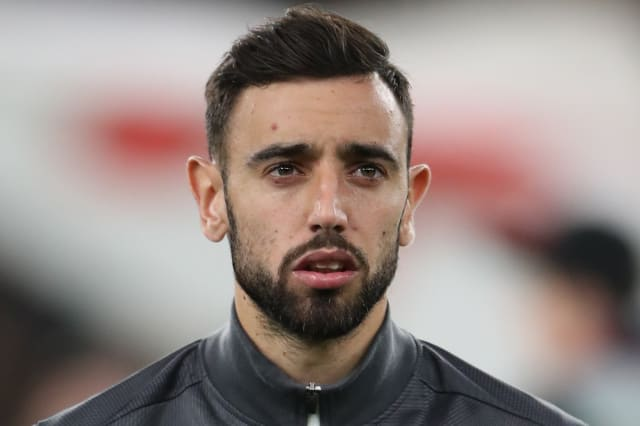 Bruno Fernandes completes move to Manchester United