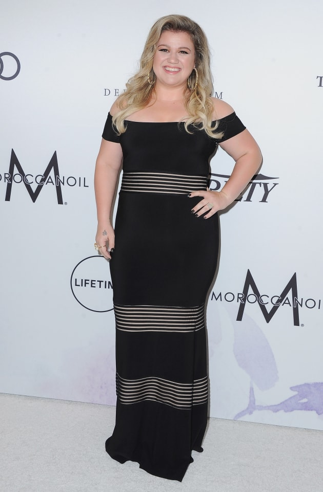 Kelly Clarkson Says Body Image Pressures Caused Her To Have Suicidal ...