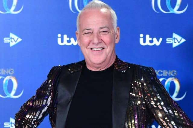 Michael Barrymore quits Dancing On Ice after breaking his wrist