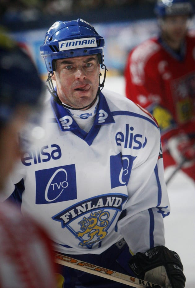Finland's Raimo Helminen looks on during the Ice hockey match against the Czech Republic in Tampere, on February 7 2008. AFP PHOTO LEHTIKUVA / Vesa Moilanen *** FINLAND OUT *** (Photo credit should read VESA MOILANEN/AFP/Getty Images)