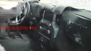 2019 GMC Sierra interior spy shot