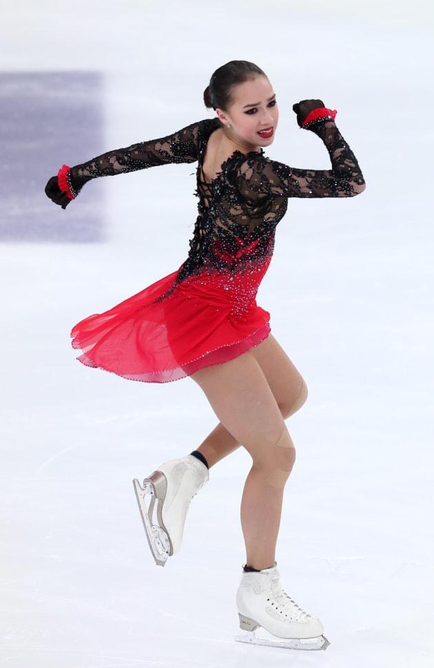 フリーで演技するアリーナ・ザギトワ選手