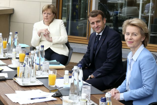 EU summit drags into third day amid splits over virus fund