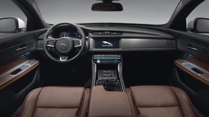 Jaguar XF Sportbrake S interior