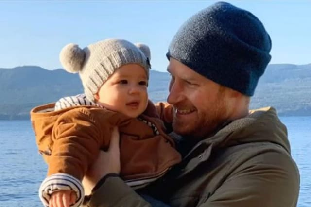 Prince Harry cuddles Archie in new Instagram image as Sussexes issue New Year message to supporters