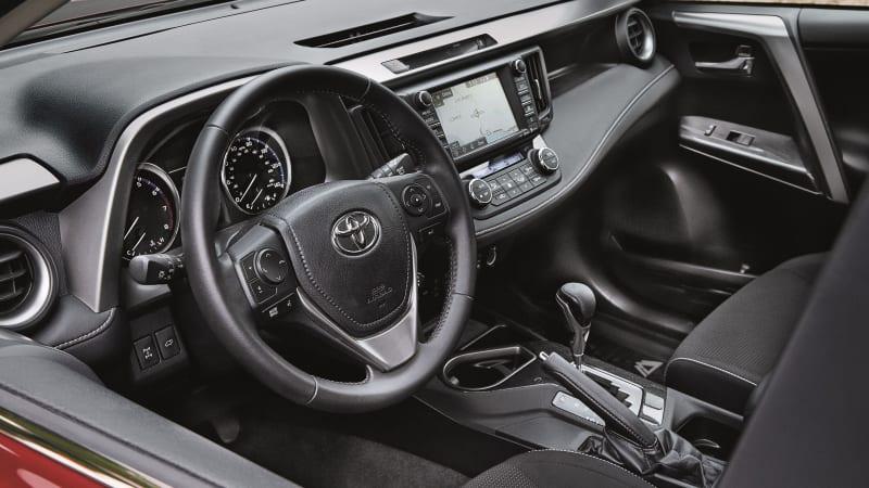2018 Toyota RAV4 safety, reliability, specs, fuel economy, and ...