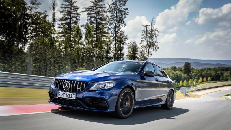 Mercedes-AMG C 63 S Limousine; brillantblau metallic; AMG Leder Nappa schwarz; C 63/ C 63 S; Kraftstoffverbrauch kombiniert: 9,9 l/100 km; CO2-Emissionen kombiniert: 227 g/km // Mercedes-AMG C 63 S Sedan; brilliant blue metallic; AMG nappa leather black; C 63/ C 63 S ; Fuel consumption combined: 9.9 l/100 km; Combined CO2 emissions: 227 g/km