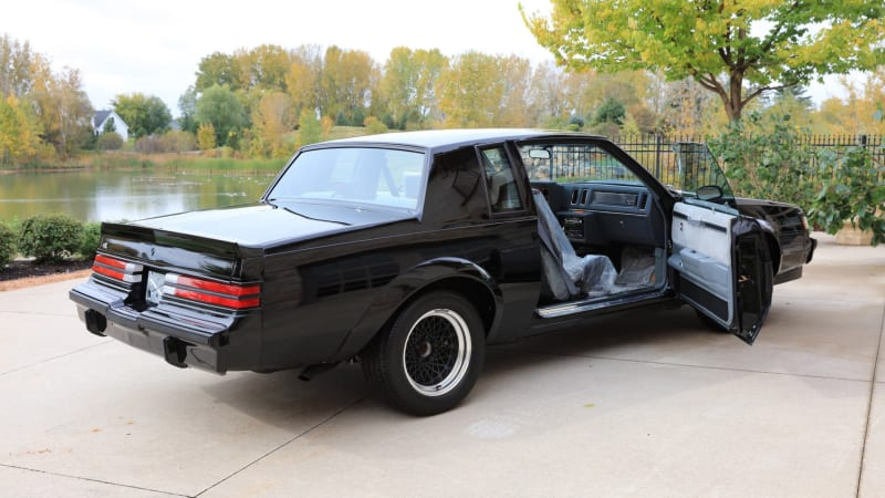 Buick Grand National Gnx For Sale >> 1987 Buick Gnx With 8 5 Miles On Odometer Sets Sales Record