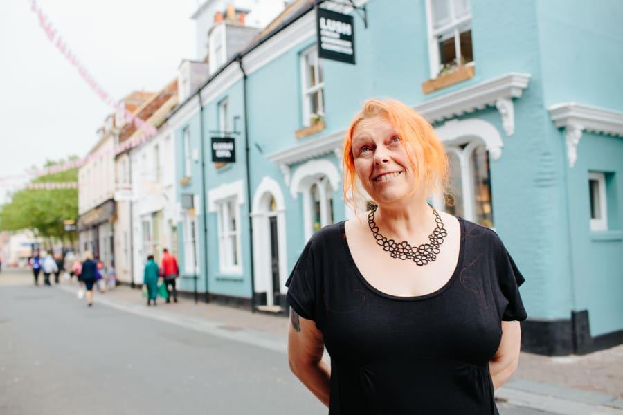 Hilary Jones, 55, diretora de ética da Lush: