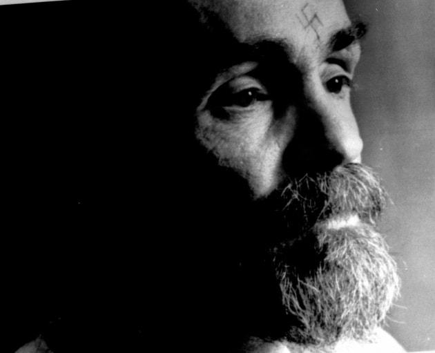 Pourquoi Charles Manson Arborait Un Tatouage De Croix Gammee Sur Le