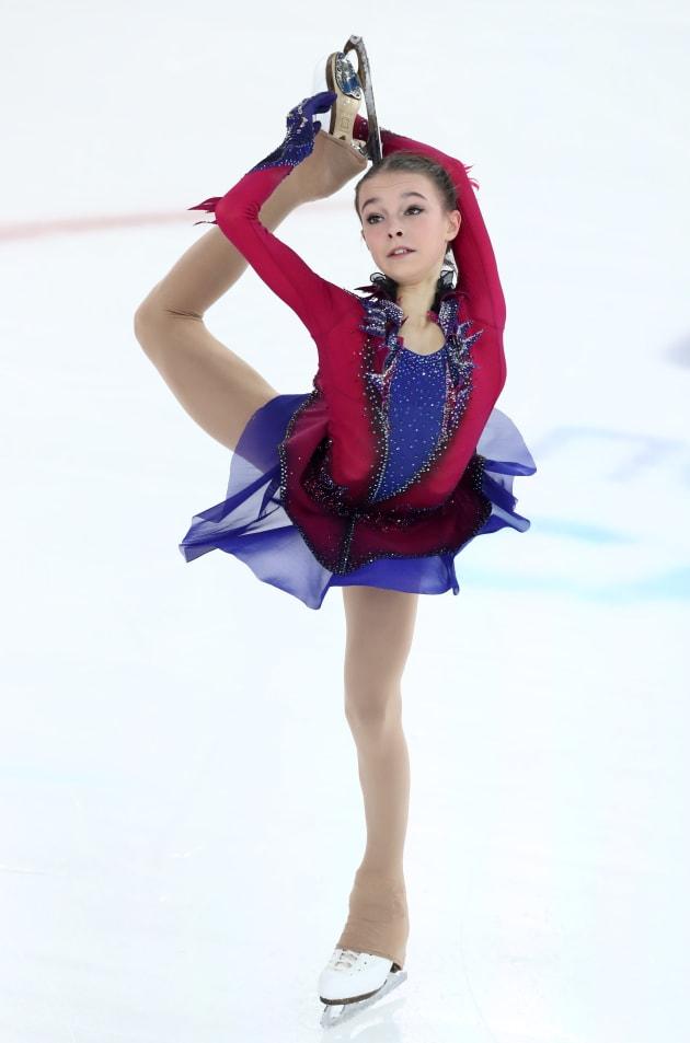 フリーで演技するアンナ・シェルバコワ選手=12月22日、ロシア・サランスク