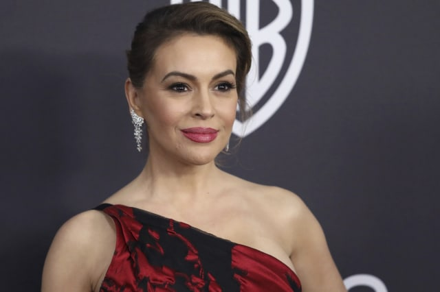 Alyssa Milano calls for sex strike in protest against US abortion laws