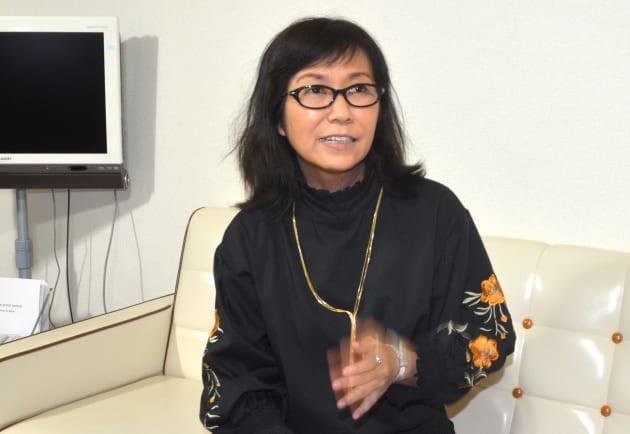 インタビューに答える香山リカさん=東京都渋谷区