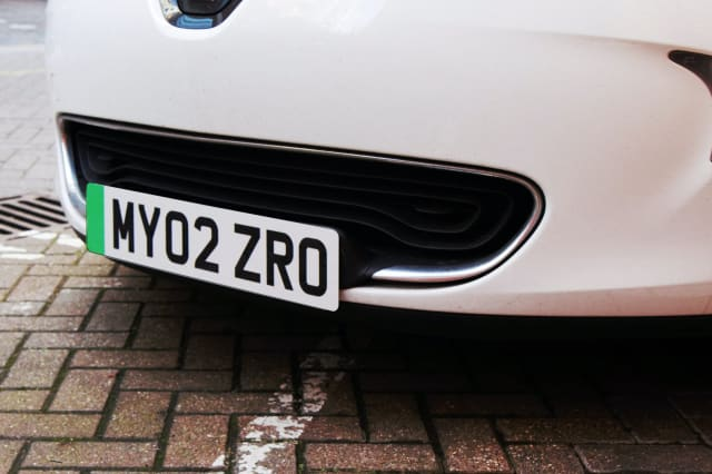 Green number plates that could give electric car drivers perks get go-ahead