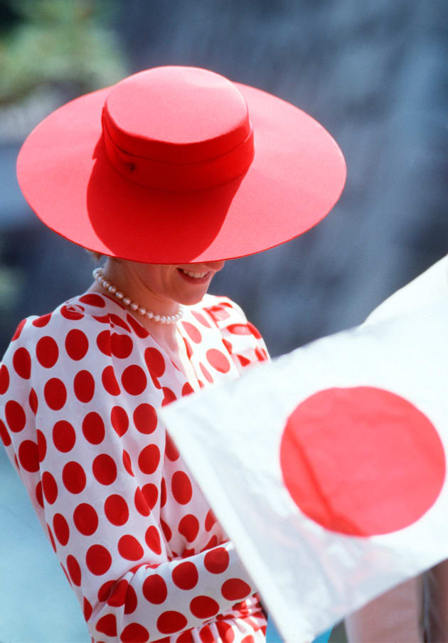 JAPAN - MAY 09:  Princess Diana In Japan Wearing An Outfit Based On The Japanese Flag To Honour Her Hosts. It Was Bought From A Shop Called Tatters.  (Photo by Tim Graham/Getty Images)