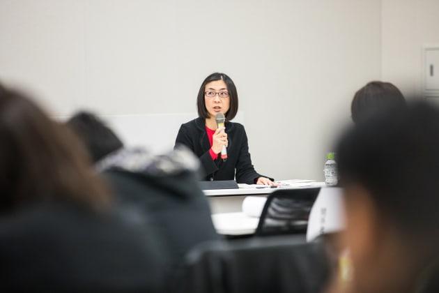 自治体の条例について語る内藤忍・副主任研究員
