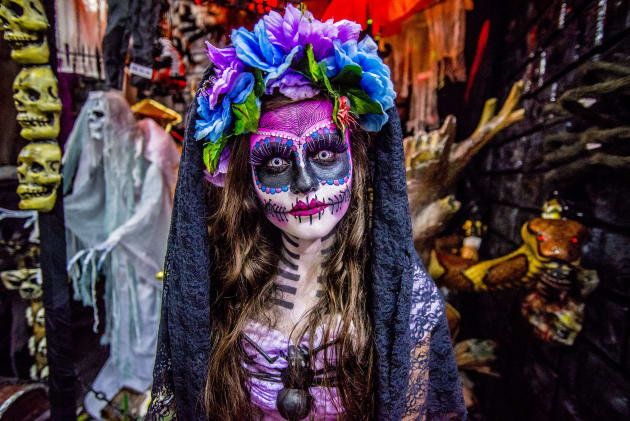 9393193c30d What You Need To Know Before You Put On Mexican Sugar-Skull Makeup ...