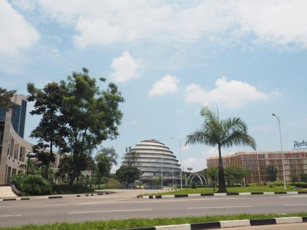 首都・キガリは急速に発展中。
