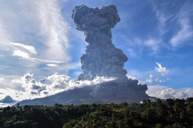 INDONESIA-NORTH SUMATRA-MOUNT SINABUNG-ERUPTION