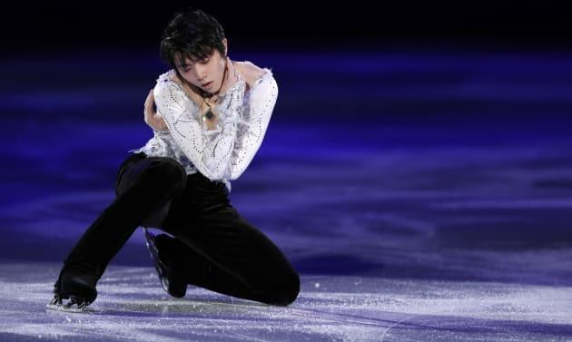 Figure Skating - Pyeongchang 2018 Winter Olympics - Gala Exhibition - Gangneung Ice Arena - Gangneung, South Korea - February 25, 2018 - Yuzuru Hanyu of Japan performs. REUTERS/John Sibley