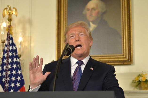 演説するトランプ大統領=4月13日、ワシントン