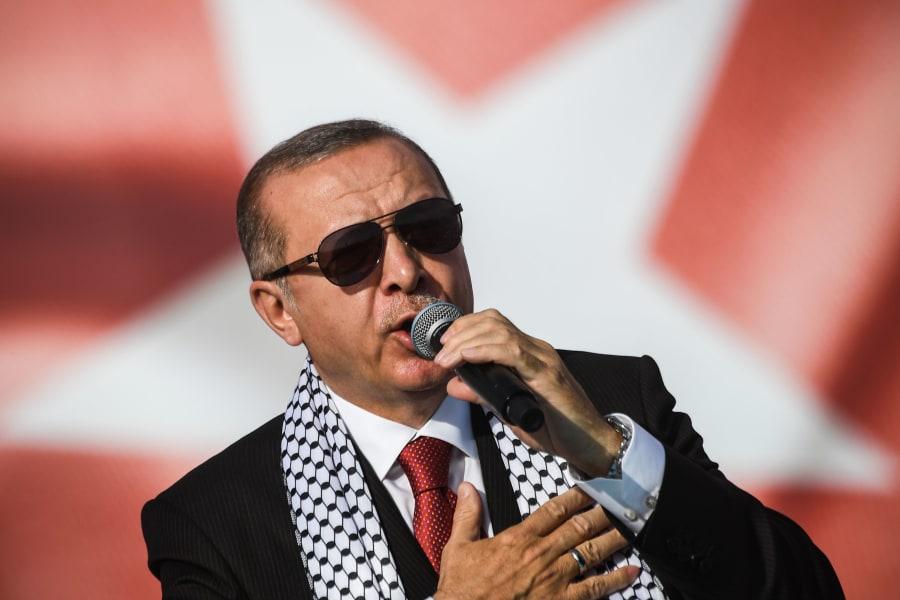 El presidente turco Recep Tayyip Erdogan durante una manifestación contra la muerte de palestinos en la frontera de Gaza con Israel, el 18 de mayo de 2018 en Estambul