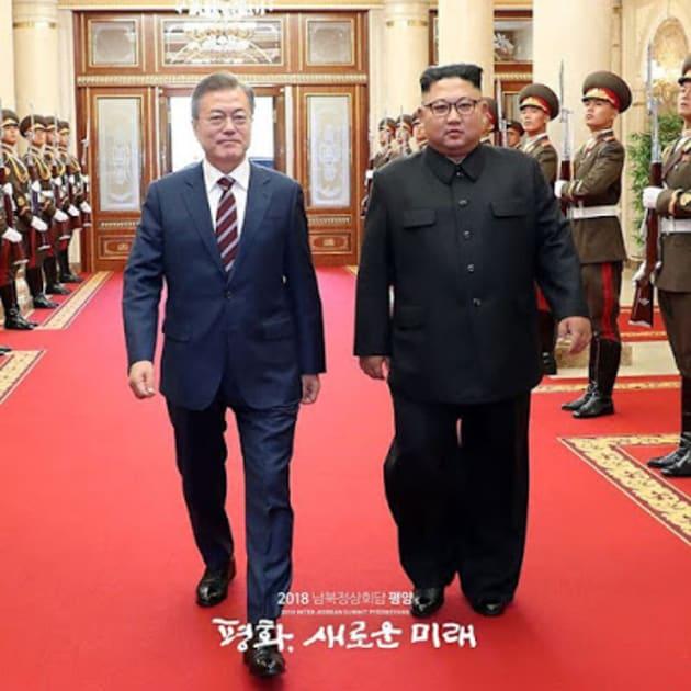 平壌の首脳会談に臨んだ両首脳