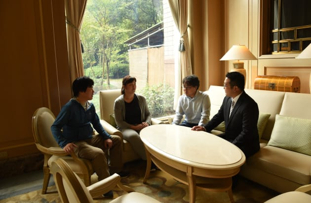 会社のオフサイト合宿でも、選書についての議論が尽きないメンバー達