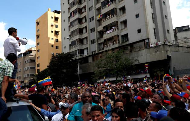 Dans un Venezuela toujours sans électricité, Guaido promet de
