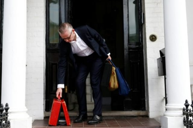 British minister Gove nearly drops Brexit documents