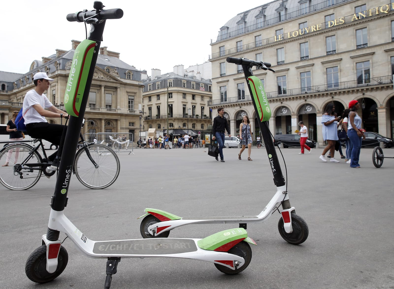 Lime Launches Electric Scooters In Paris : Illustration