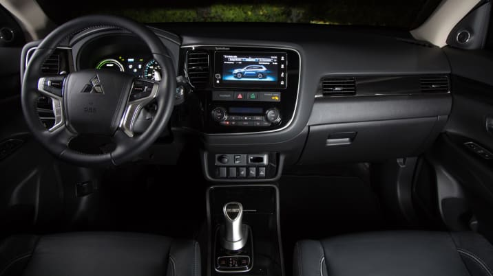 2018 Mitsubishi Outlander PHEV Quick Spin Review | Autoblog
