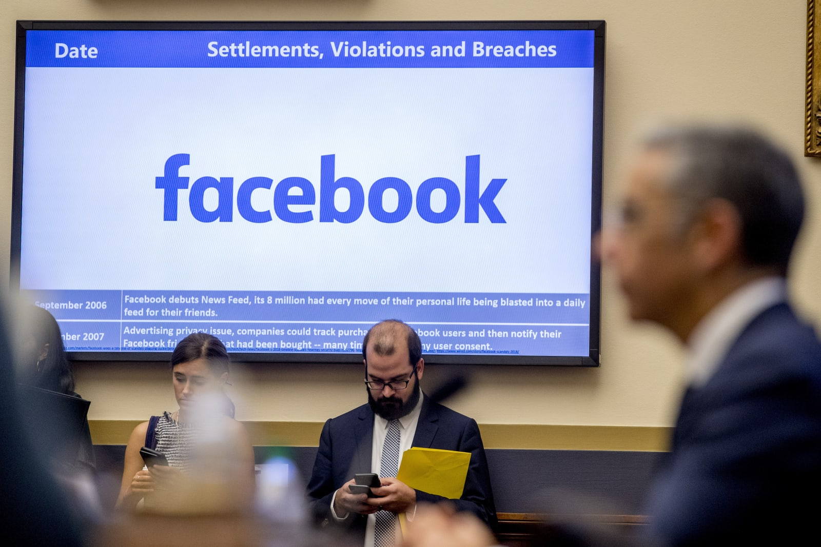 FTC to accuse Facebook of misusing phone numbers and facial recognition
