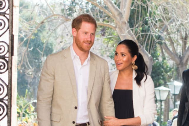 Buckingham Palace respond to reports that Prince Harry and Meghan Markle are planning to move abroad