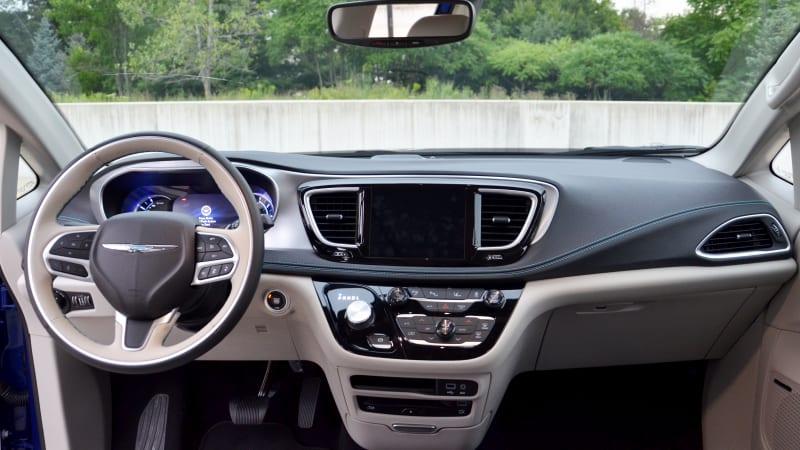 2018 Pacifica Hybrid interior