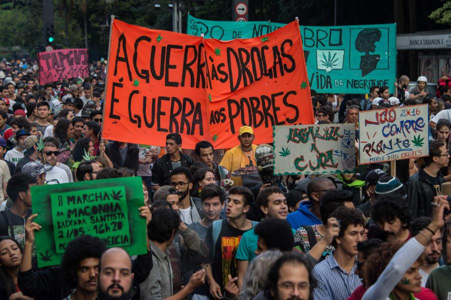 Da ilegalidade ao maconhaço: O que mudou nos 10 anos da Marcha da Maconha