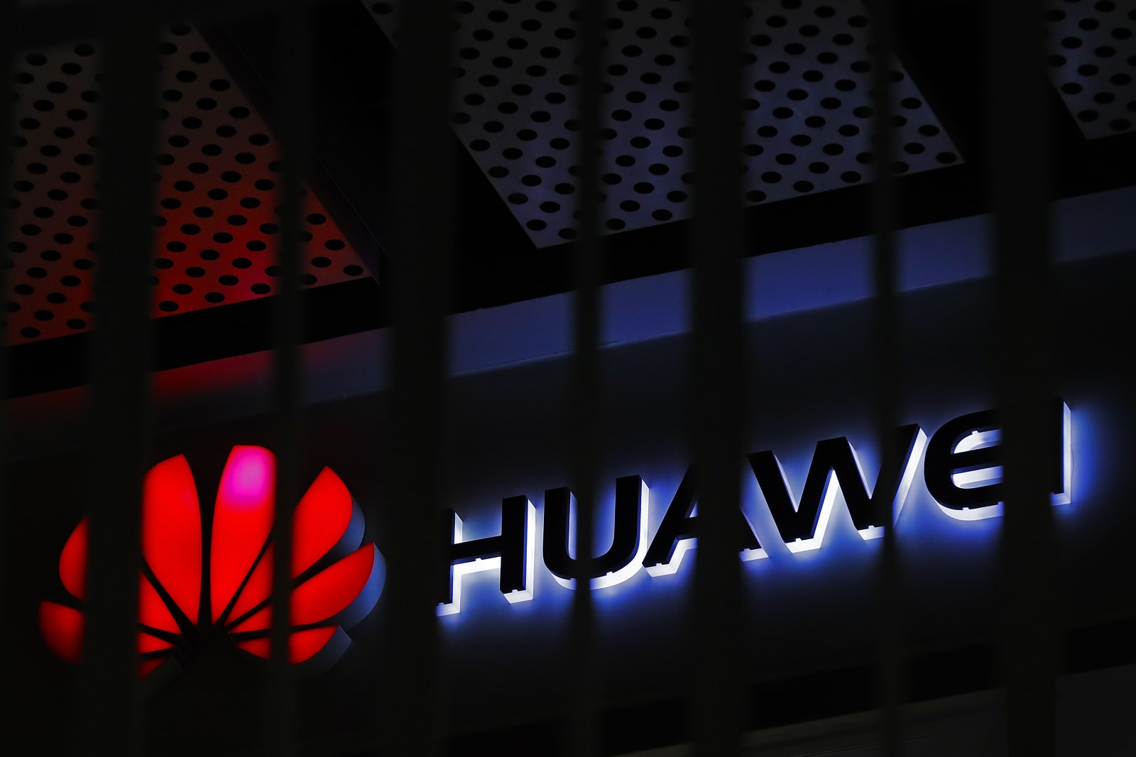 Trump declares 'national emergency' to make way for Huawei ban