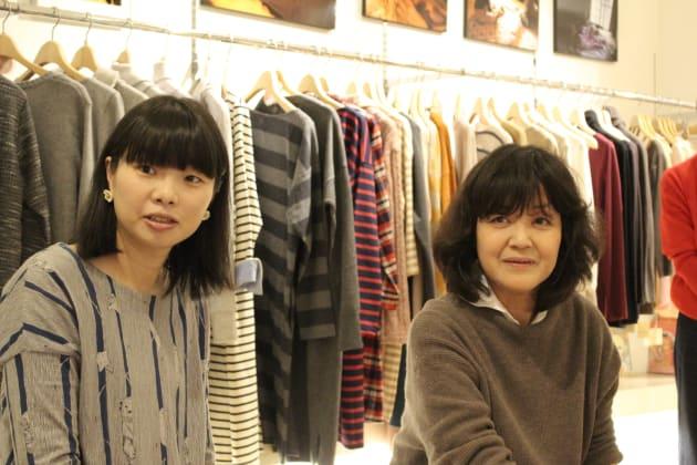 左から、江連麻紀さんと河合蘭さん
