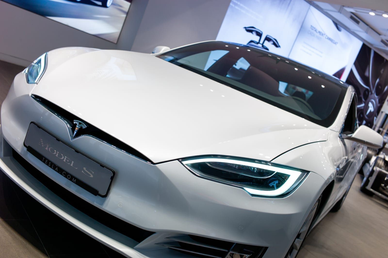 Tesla raises base prices for Model S and Model X