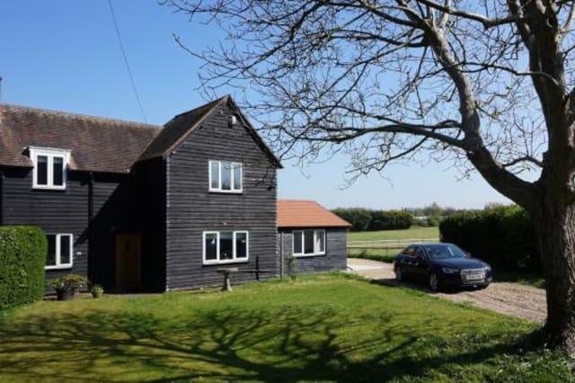 Semi-rural house in M25