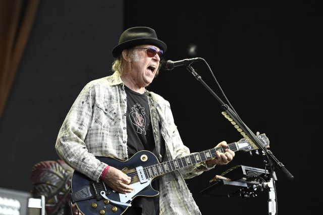 Neil Young sues the Donald Trump Campaign - 8/4/20