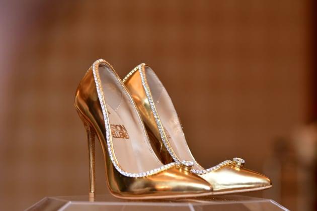 Cette paire de chaussures coûte 17 millions de dollars   Le