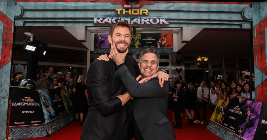 'Thor: Ragnarok' Stars Chide TV Host for Revealing Big ...