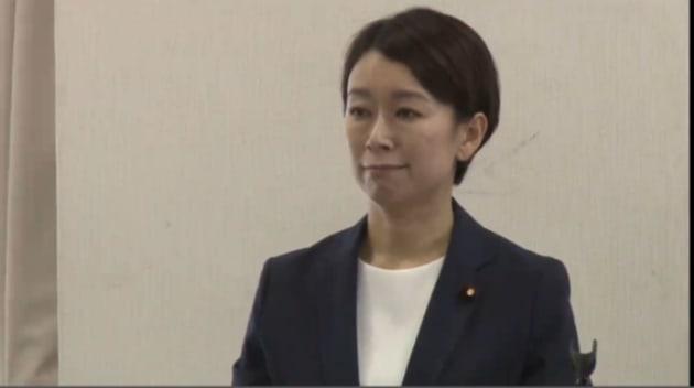 次期衆院選への出馬の意向を表明した山尾志桜里氏。(2017年9月22日、尾張旭市の会合で=niconicoより)