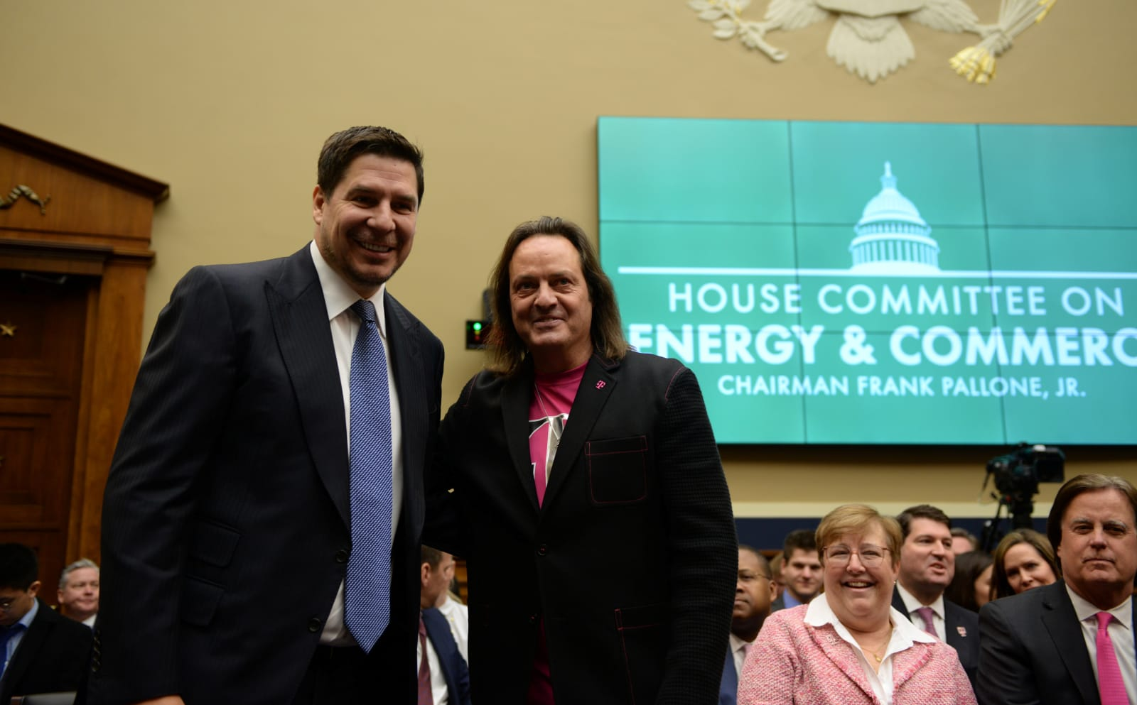 Lawmakers urge the FCC to seek public input on T-Mobile / Sprint merger