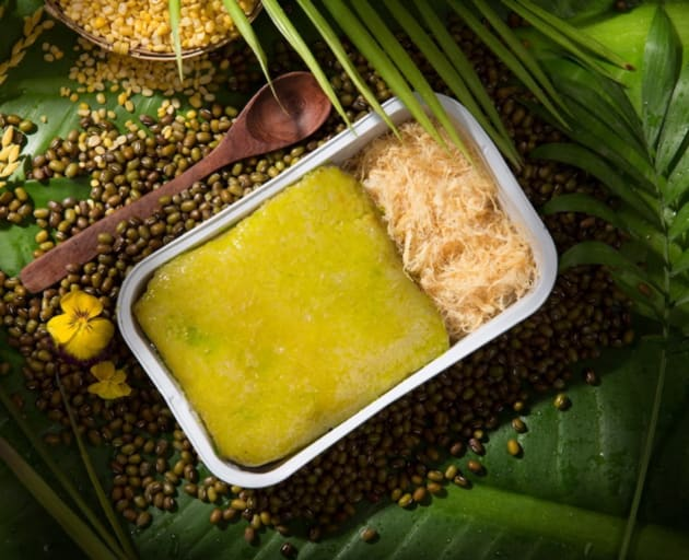ベトナムのもち米を使った料理も。※機内食・ドリンクなどはオプションでの提供
