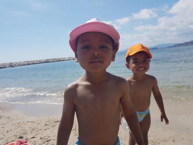 ビショップさんの双子の息子、ザックとレオ