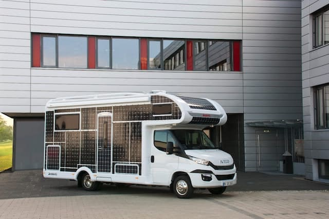 Solar-powered motorhome cruises with no need for fuel - AOL