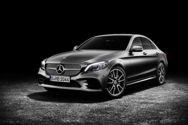 Facelifted Mercedes C Cl Features Luxurious Interior And New Hybrid Trains